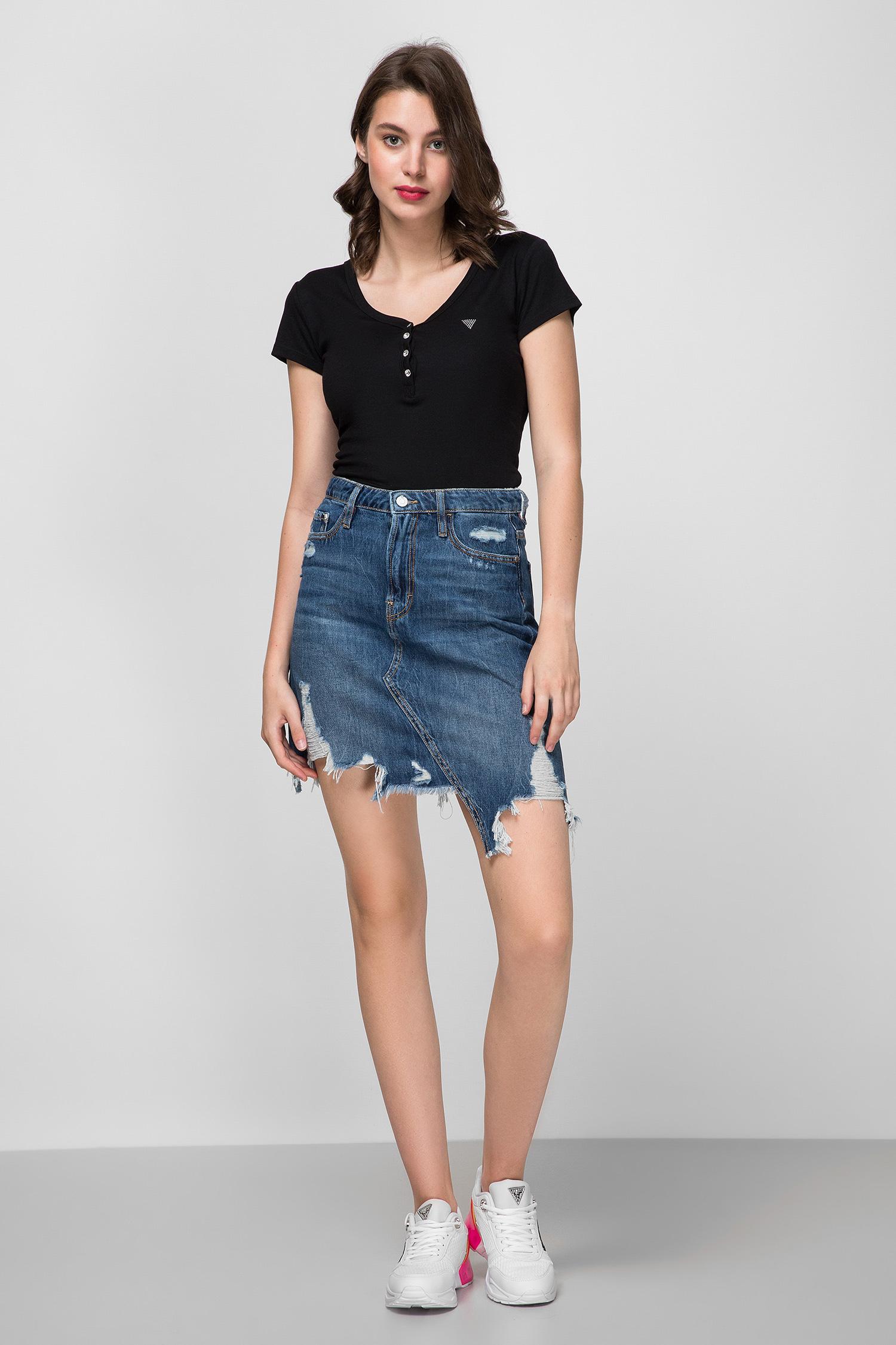 Женская черная футболка Guess W0YP76.K9VM0;JBLK