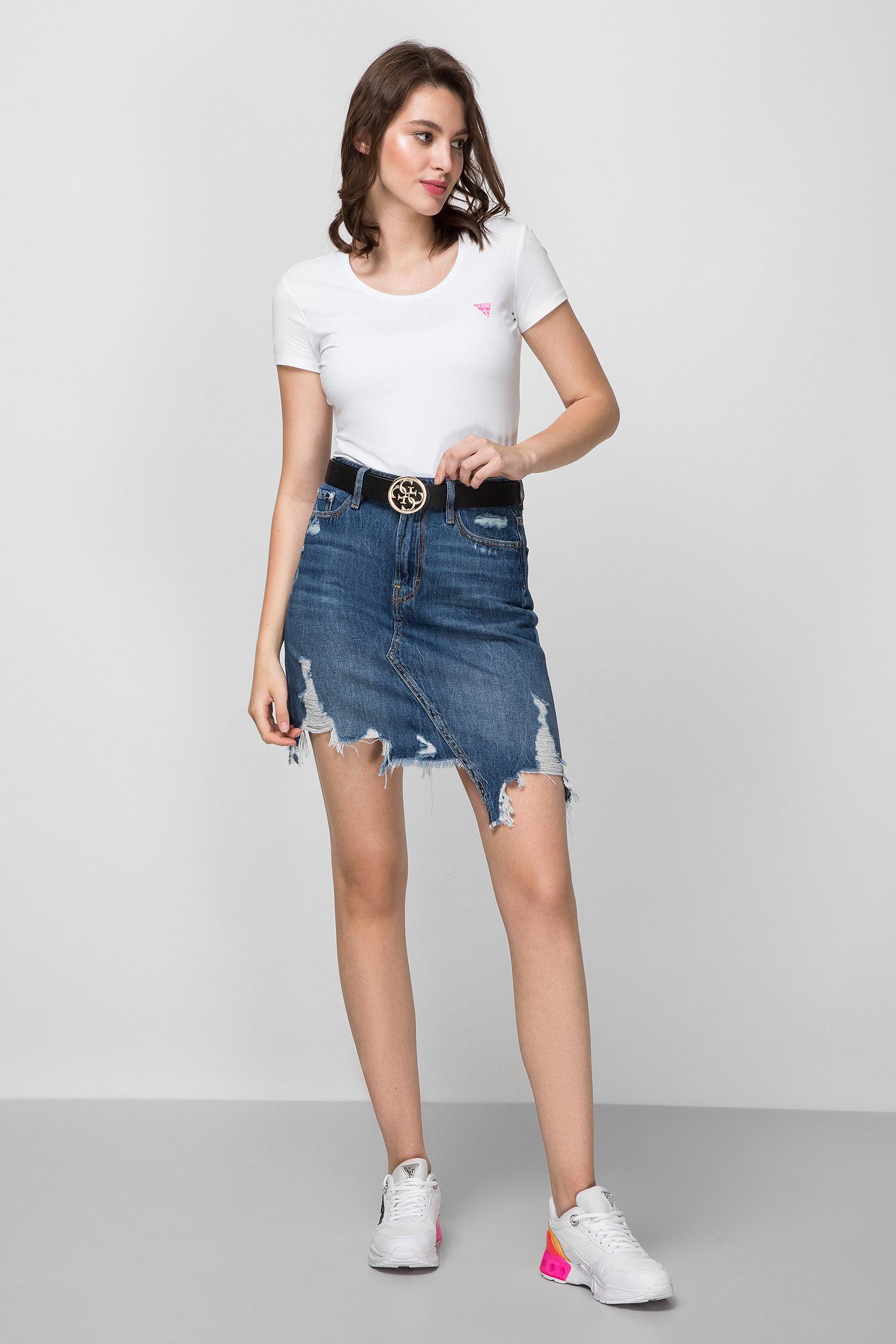 Женская белая футболка Guess W0YI87.J1300;TWHT