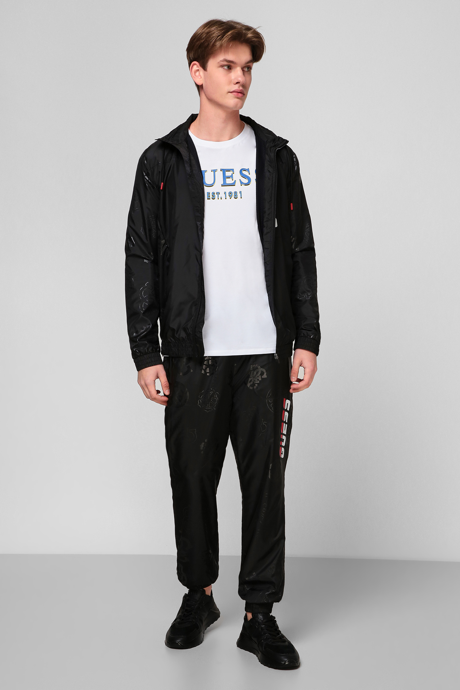 Черные спортивные брюки для парней Guess U0BA46.WDFH0;JBLK