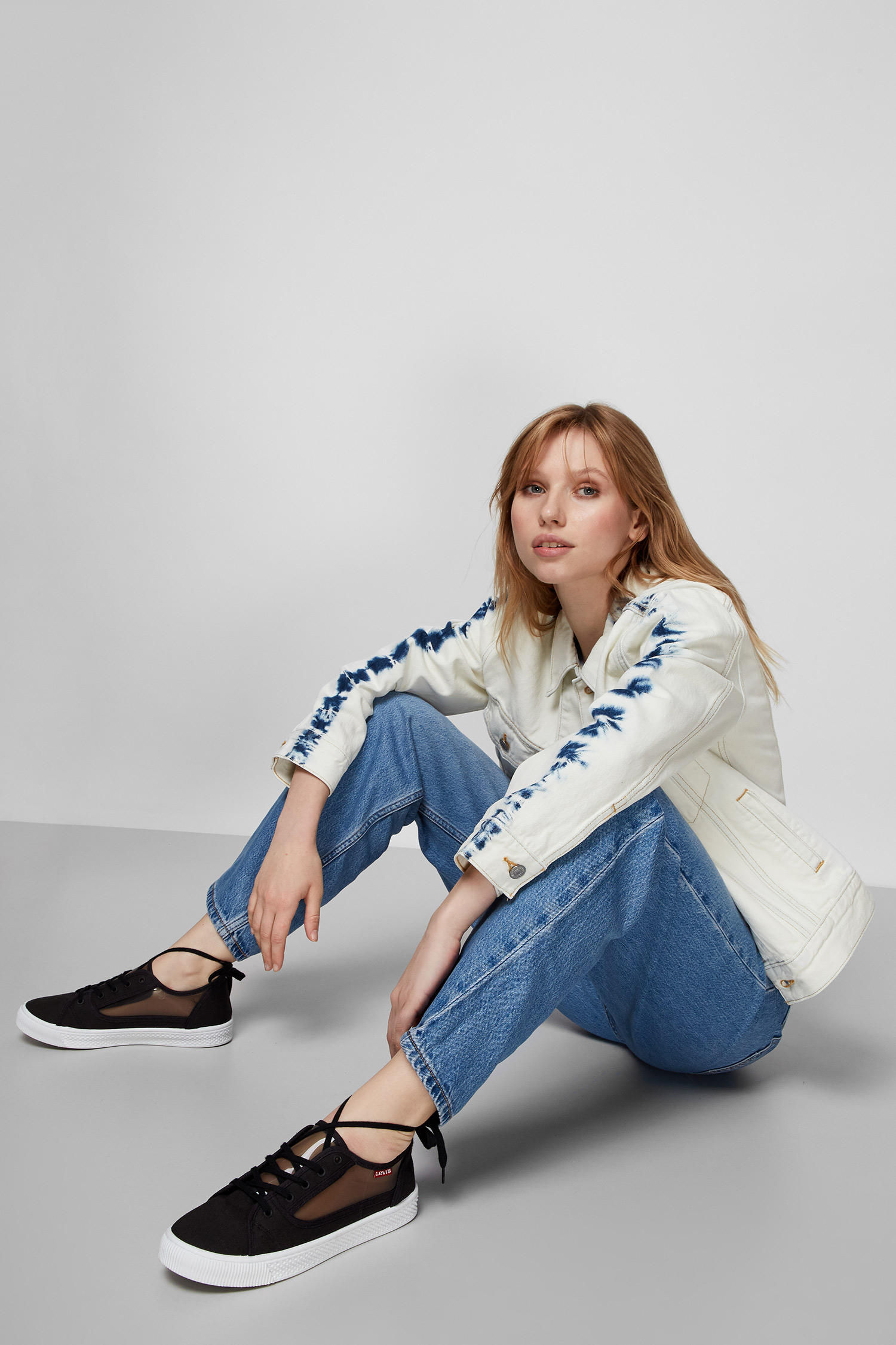 Женская белая джинсовая куртка Levi's 29944;0147