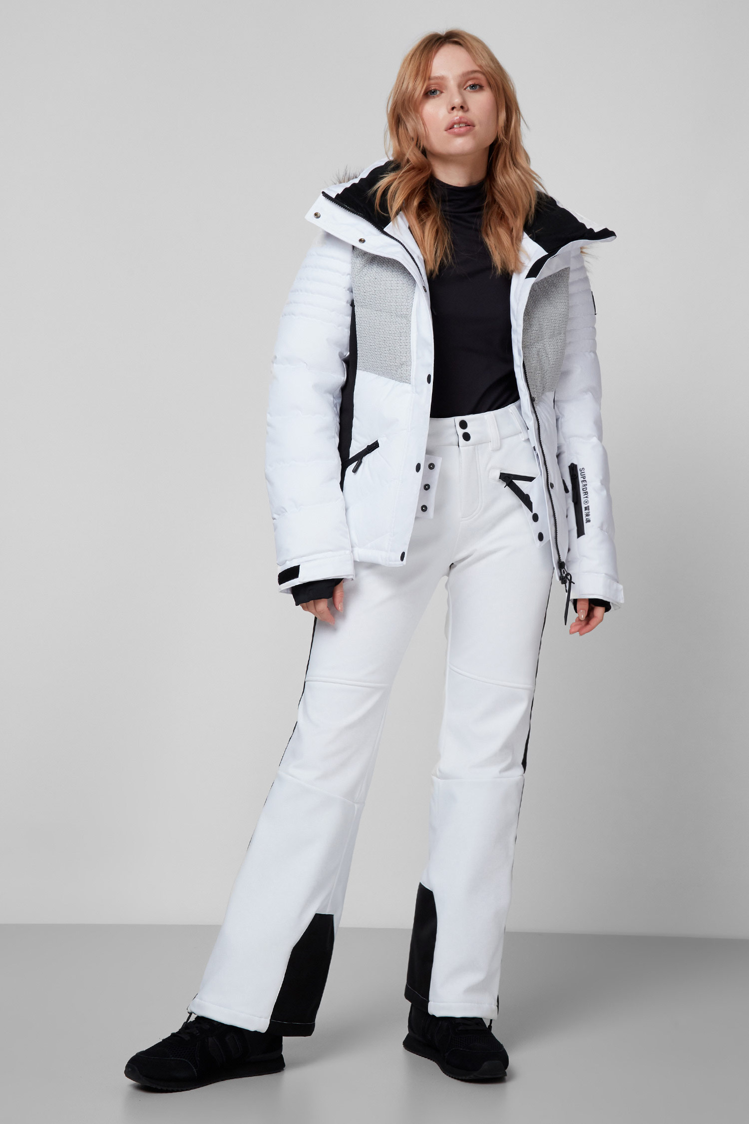 Женская белая лыжная куртка SuperDry WS110003A;04C
