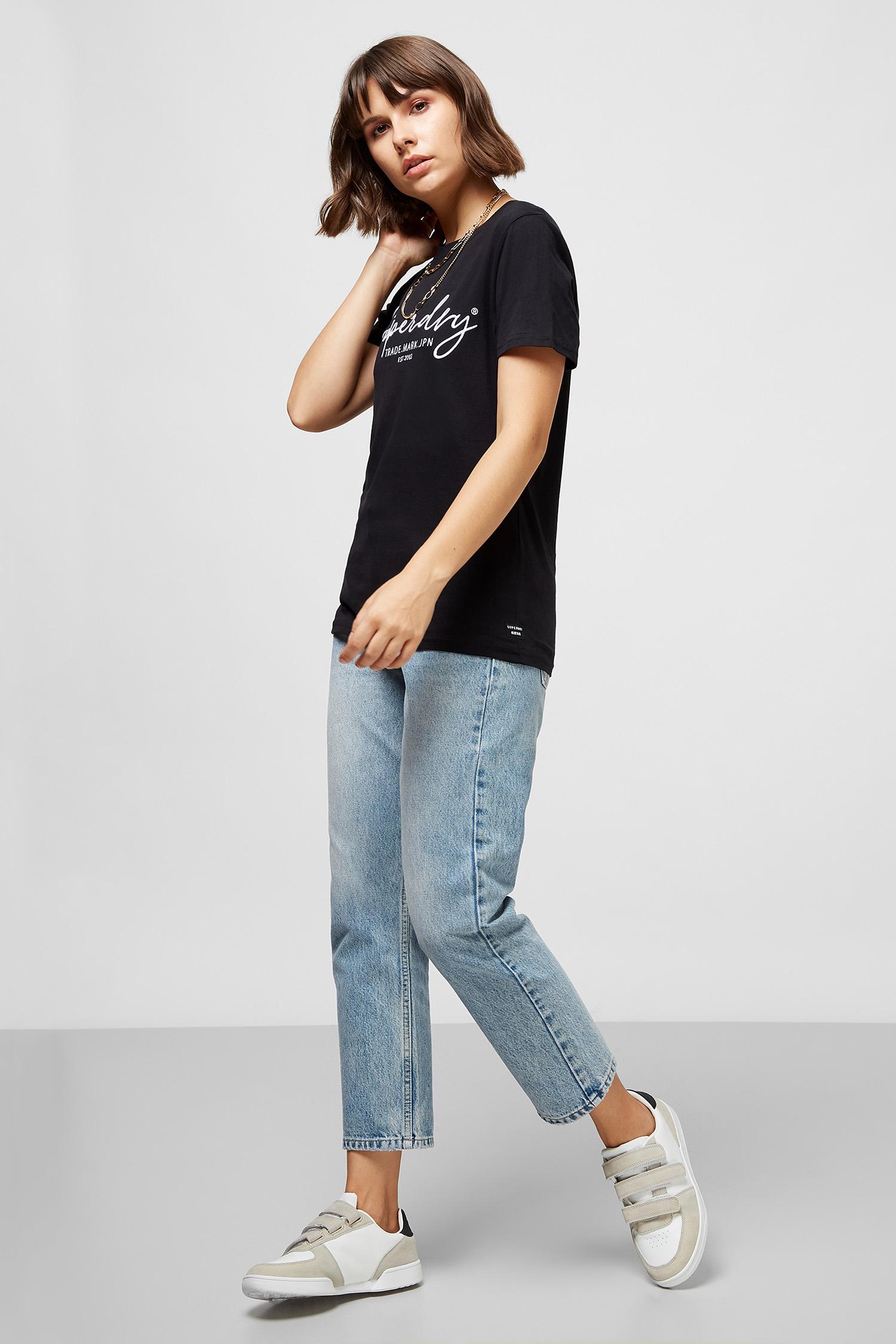 Женская черная футболка SuperDry W1010180A;02A