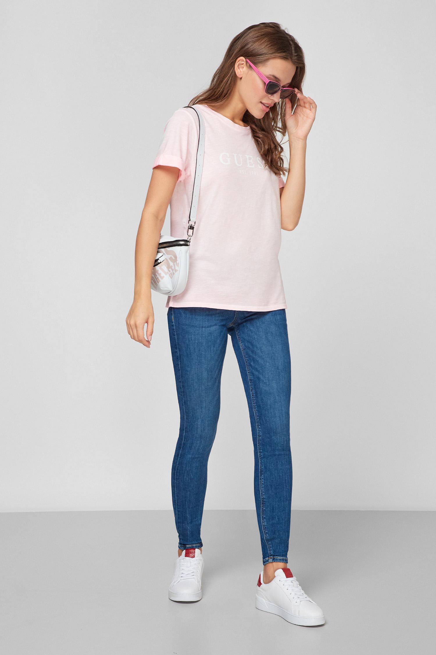 Жіноча рожева футболка Guess W0GI69.R8G01;F6W6