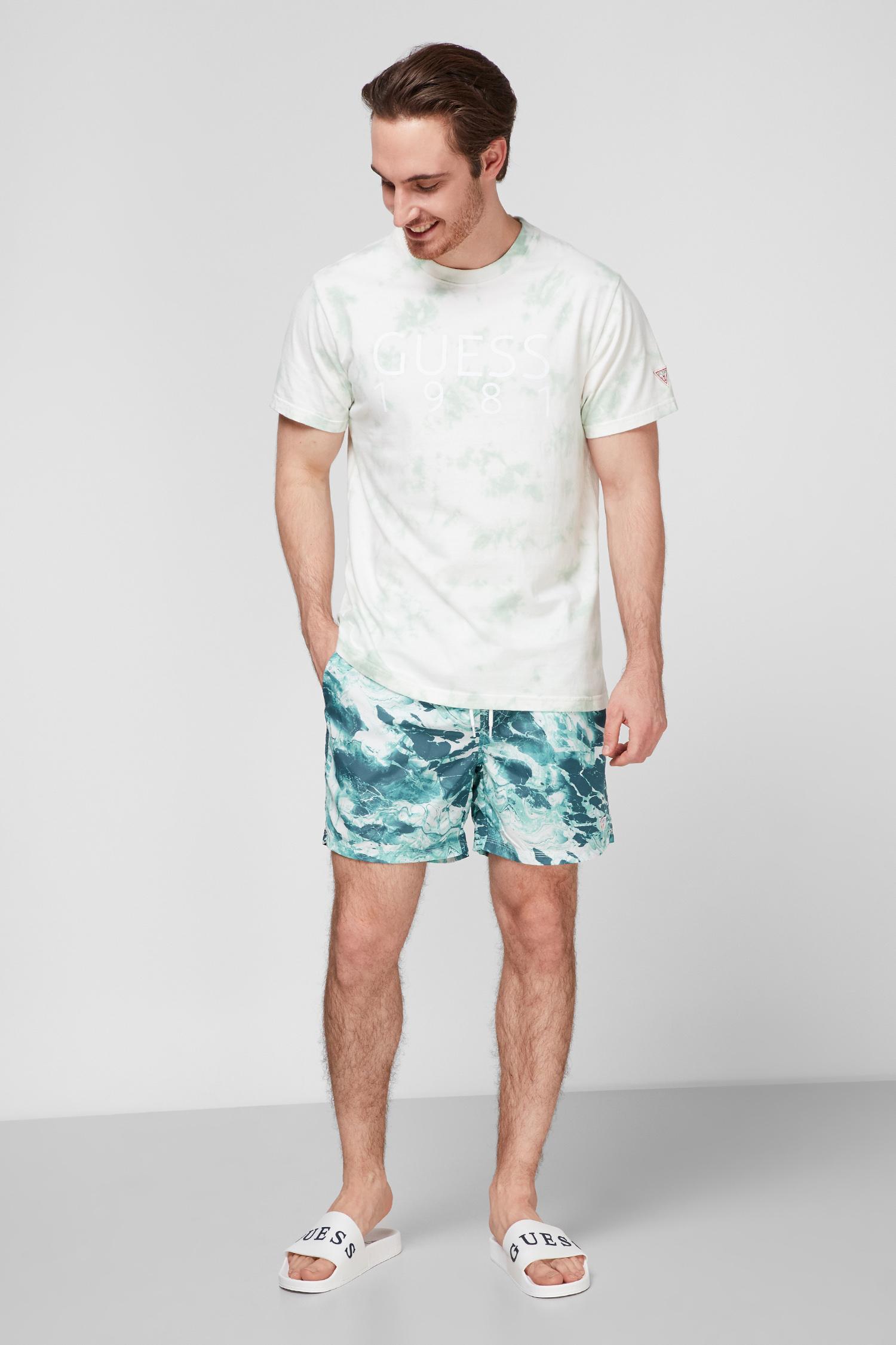 Мужские плавательные шорты с принтом Guess F1GT03.WO05Y;P8M1