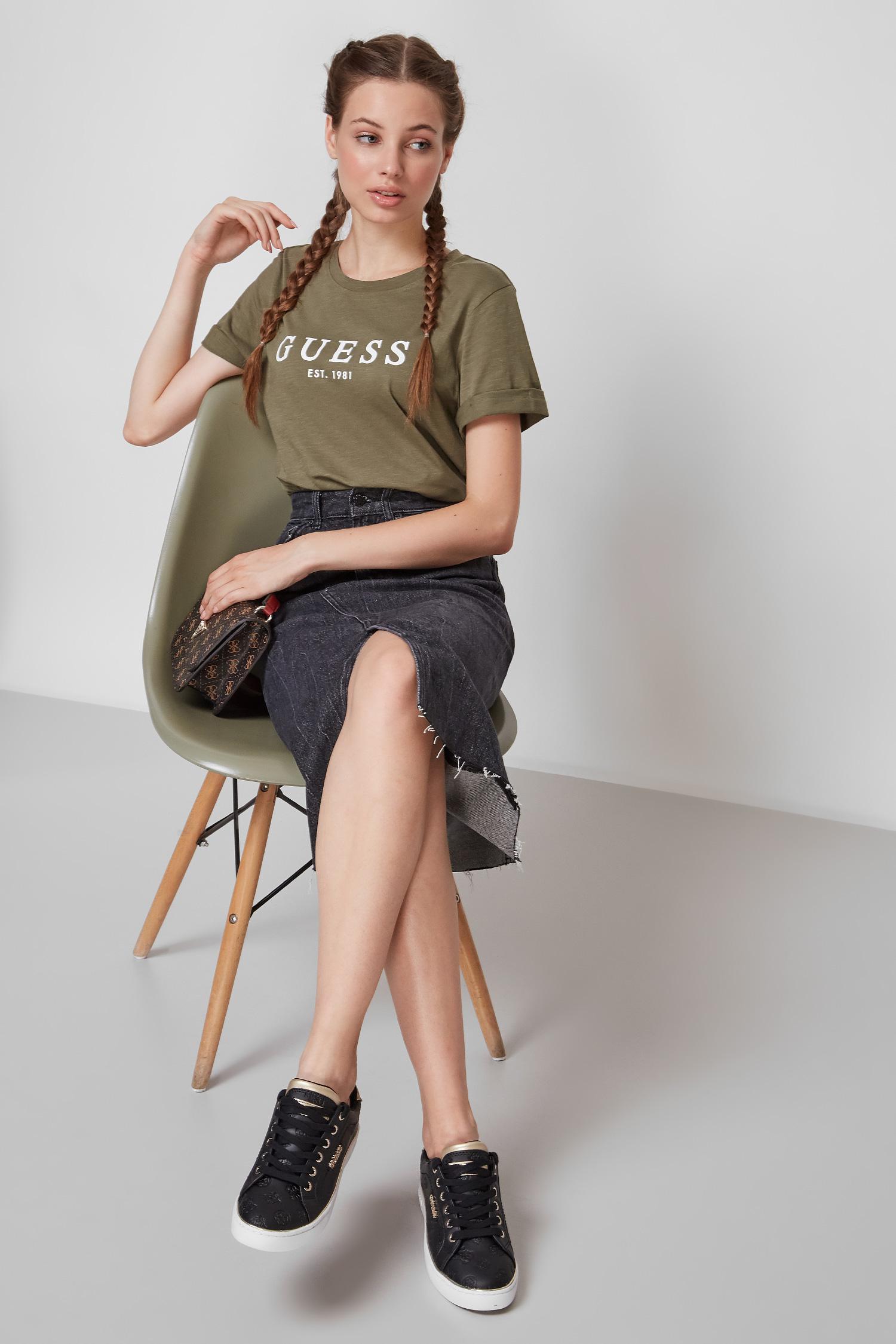 Зелена футболка для дівчат Guess W0GI69.R8G01;G8U0